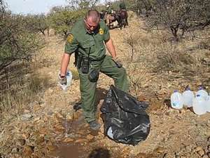 Arizona-Volunteer-Arrest-Migrant-No More Deaths